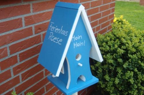 Vogelhäuschen vor der Tür Ferienhaus Roese